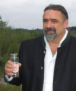 Warnt vor neuem Anlauf zur Privatisierung der Trinkwasserversorgung: Harald Schmid, Bezirkstagskandidat der Piratenpartei-Crew im Landkreis Altötting. Foto: CC-BY-SA 3.0 Jürgen Karl Ammon