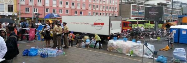 In München kommen Spenden für Flüchtlinge LKW-weise | CC BY 2.0 Marion Ellen
